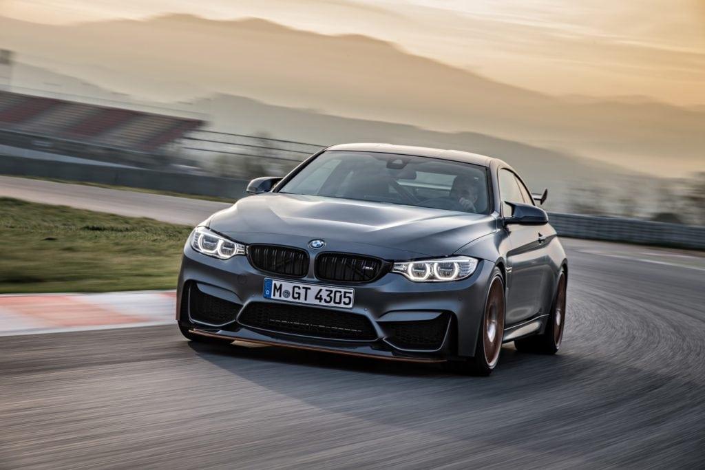 BMW M4 GTS на гоночном треке, сет 2. Жми на картинку и листай галерею!