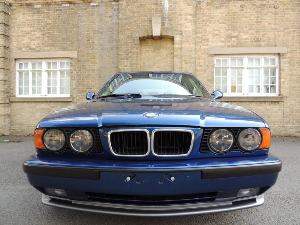 BMW M5 E34 Touring 1994 Avus Blue