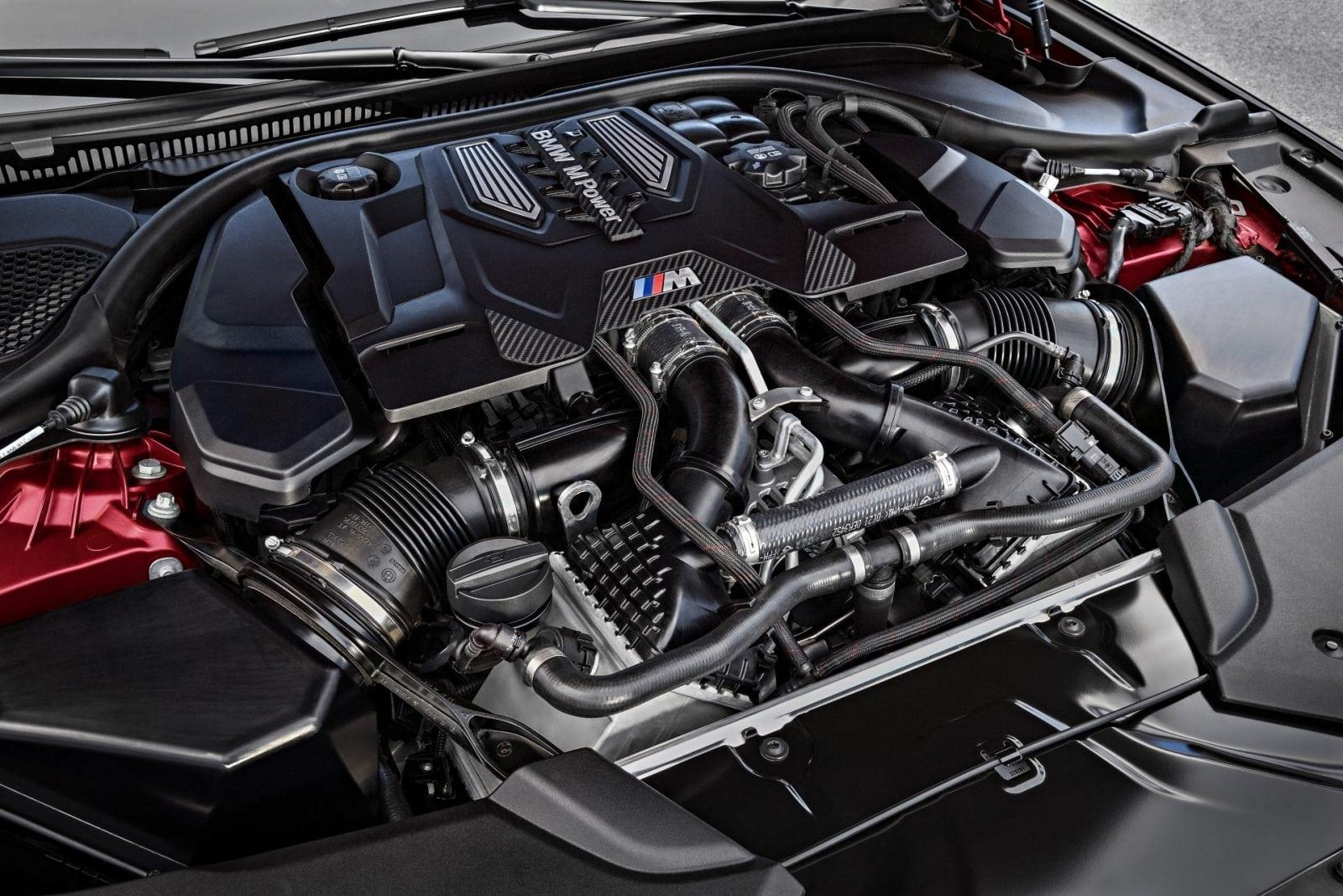 Мировая премьера BMW M5 2017 First Edition Photo Gallery