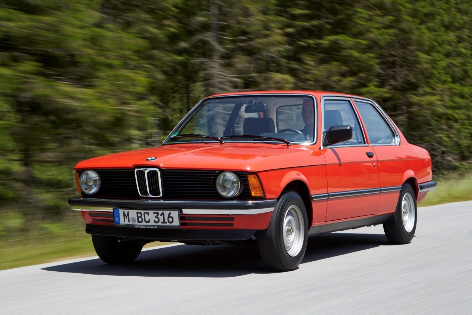 Первое поколение BMW 3 Серии E21 (1975–1983)