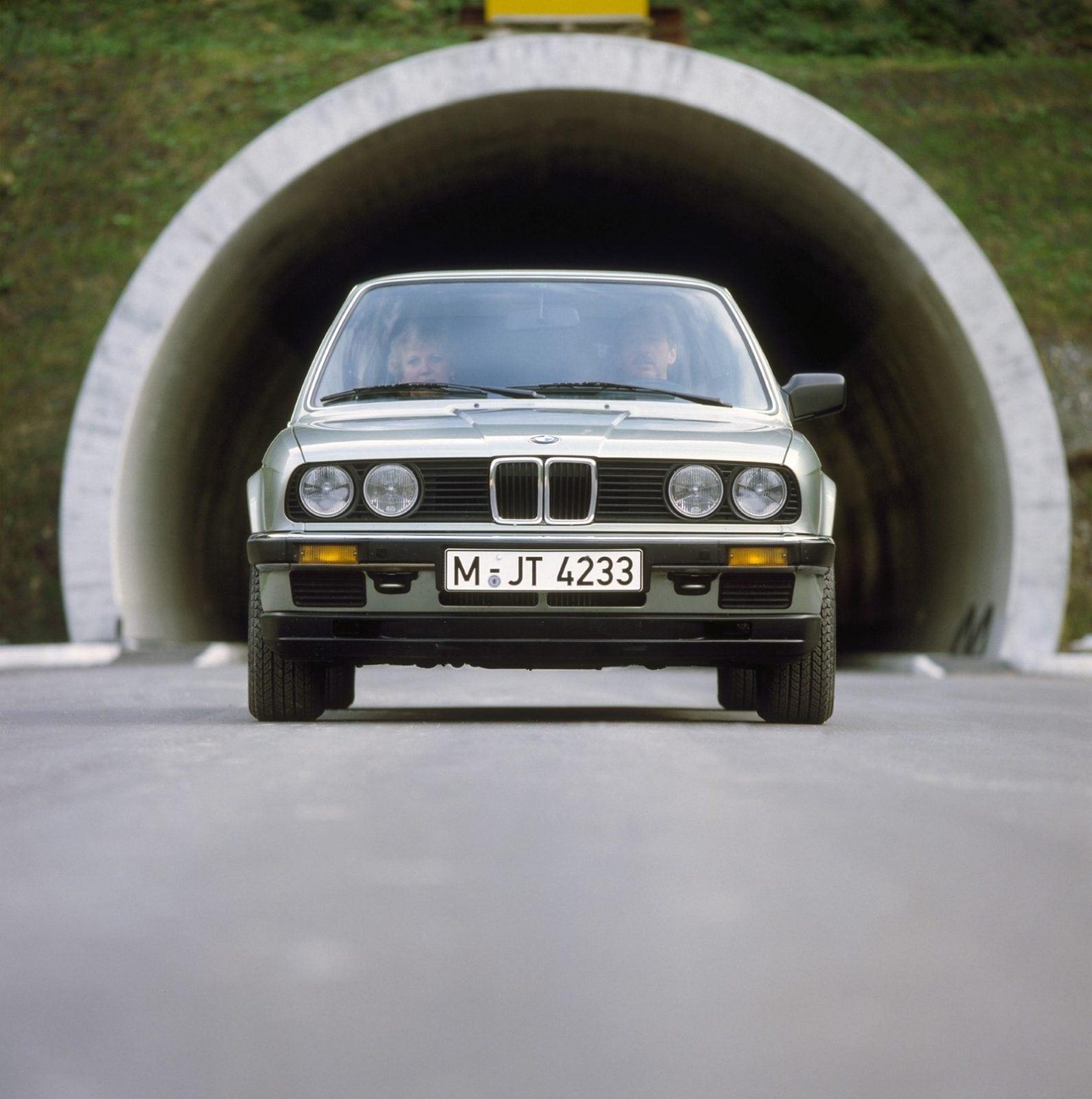 Второе поколение BMW 3 Серии E30 (1982–1992)
