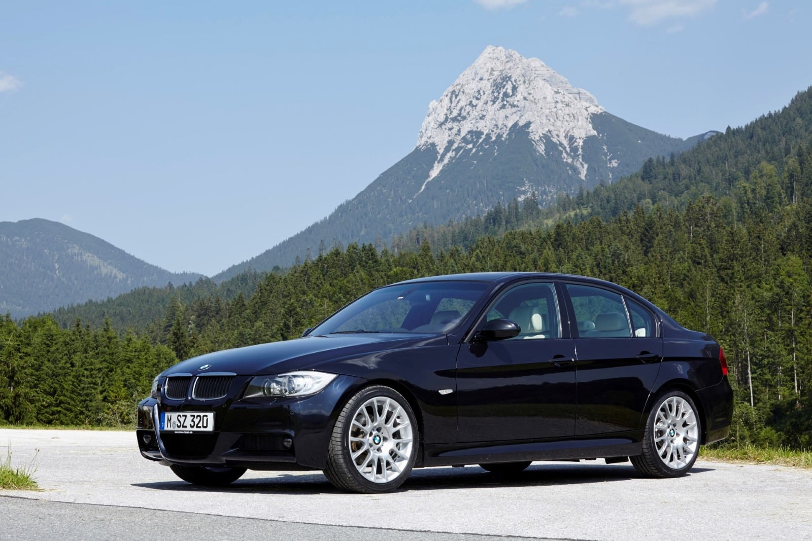 Пятое поколение BMW 3 Серии E90 (2004–2013)
