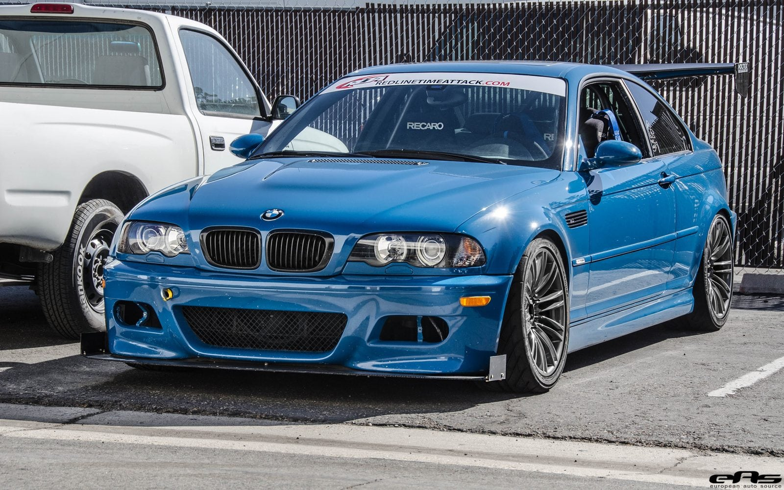 BMW M3 E46 в цвете Laguna Seca Blue