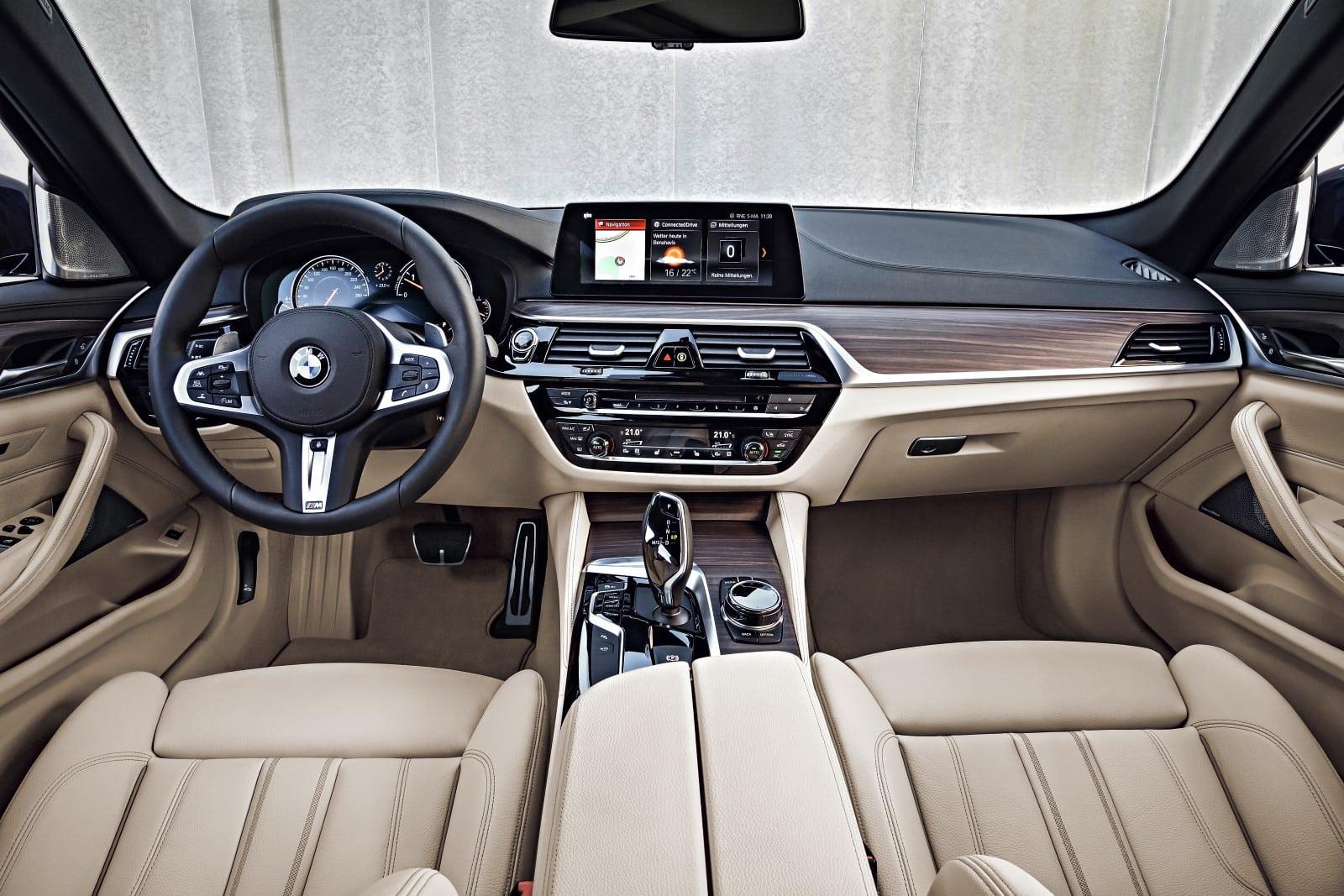 BMW 5 Series 530d G30 Touring Interior