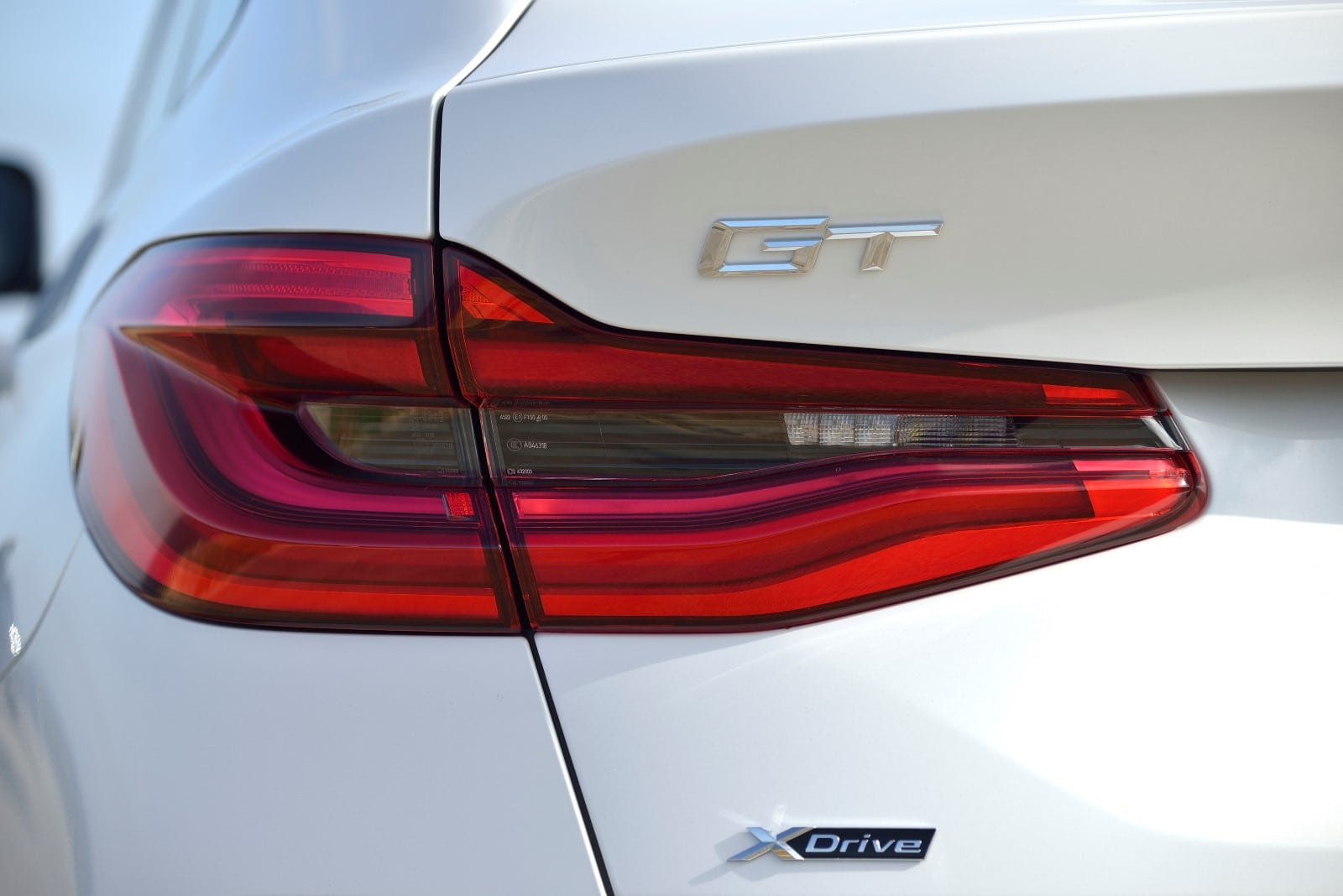 BMW 640i GT xDrive Mineral White metallic M Sport Highlights
