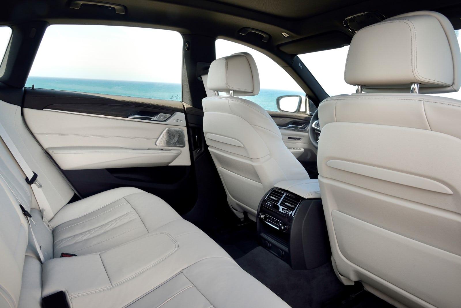 BMW 6 Series GT 640i xDrive Mineral White metallic M Sport Interior